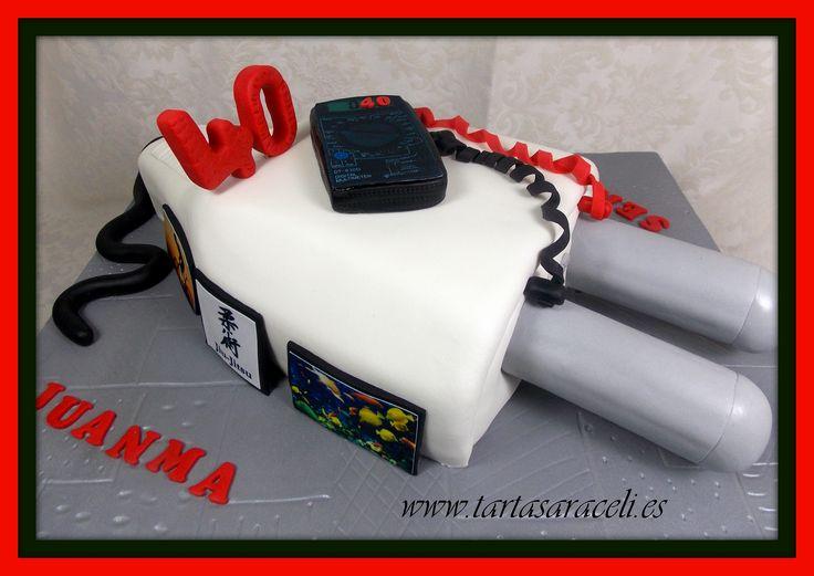Una tarta con mucha tensión eléctrica....Dos hermanos gemelos unidos en su trabajo y con aficiones muy distintas #tartaeléctrica