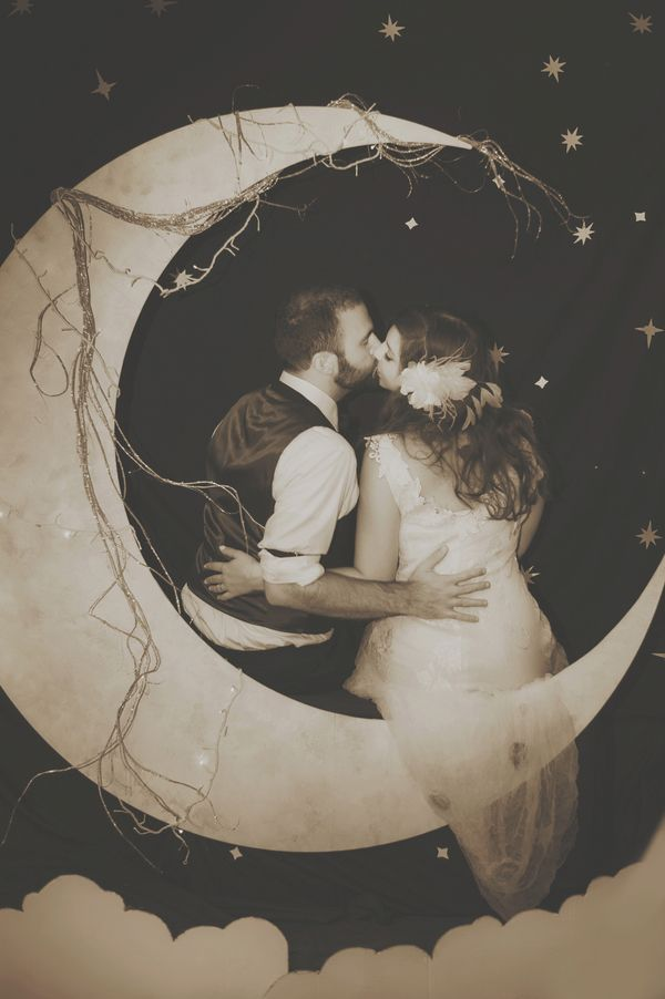diy moon photobooth
