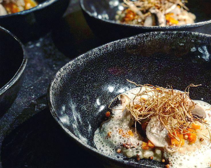 Recette de Risotto de champignons, courge rôtie, émulsion de persil et kasha pop. Plat raffiné, idéal pour épater vos convives.