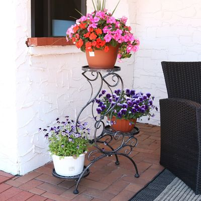 Sunnydaze 3-Tier Victorian Indoor/Outdoor Plant and Flower Stand, 31 Inch Tall