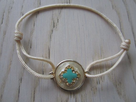 Handmade sliding Bracelet Clover Bracelet Blue by MahsanAmoui