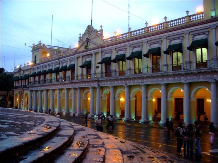 Xalapa veracruz. raised plaza concept.