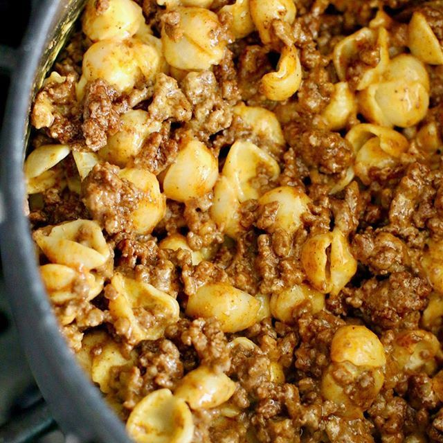 NEW TODAYThis #easy Taco Mac & Cheese ended up being a budget-friendly & amazingly delicious meal thanks to @savealotfoodstores challenging me to an #outofthebox recipe creation. Huge hit with my family - HUGE! #ad Clickable recipe link in my profile! #savealotinsiders . . . https://www.thecountrycook.net/easy-taco-mac-cheese/ . . . #quick #recipes #groundbeef #cook #recipe #recipeoftheday #homecooking #homecooked #homechef #homecookedmeal #cooking #dinner #onthetable #yum #foodpic #foodg...