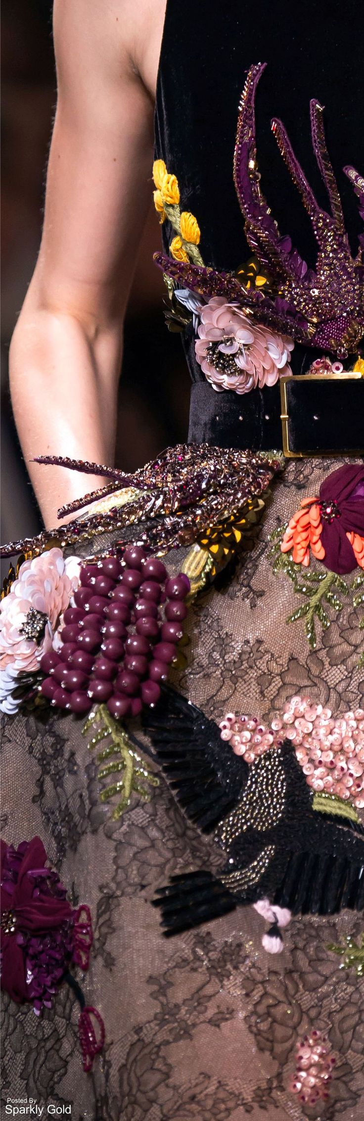 Elie Saab Fall 2016 Couture                                                                                                                                                                                 Mehr