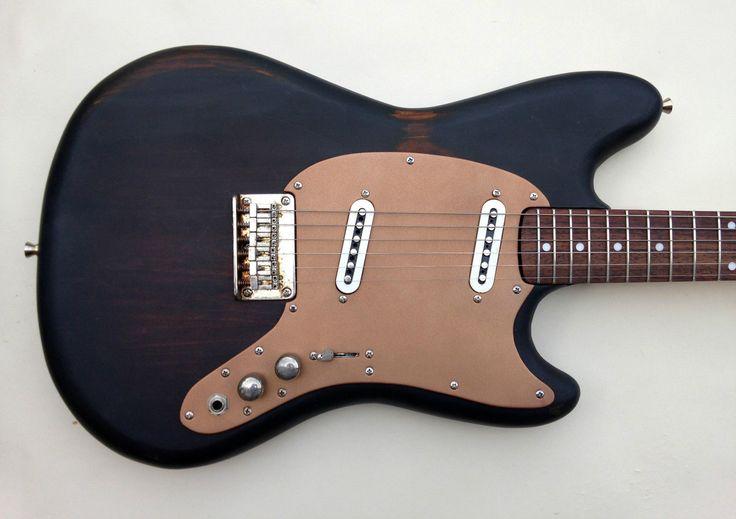 Fender Squier Mustang Duo-Sonic Sunburst Relic Vintage Guitar Rare in Musikinstrumente, Gitarren & Bässe, E-Gitarren | eBay!