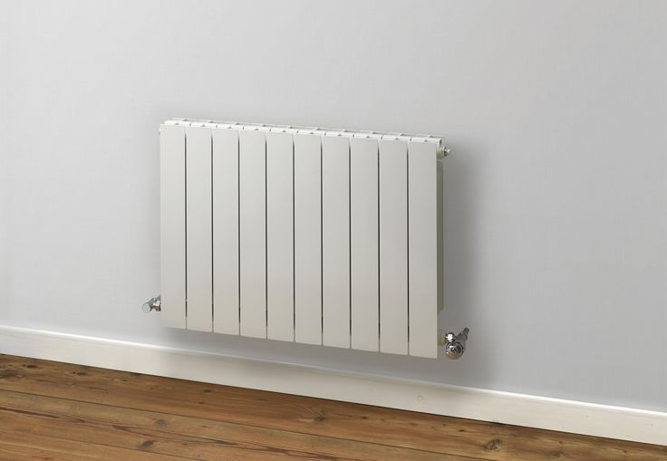 Introducing the Rads 2 Rails Holborn Horizontal Aluminium Radiator, a lightweight radiator with excellent outputs, making it a great option for large rooms, and with excellent thermal efficiency for low heating costs. Availaable in a White or Gun Metal finish. Complete with a 10 year guarantee.