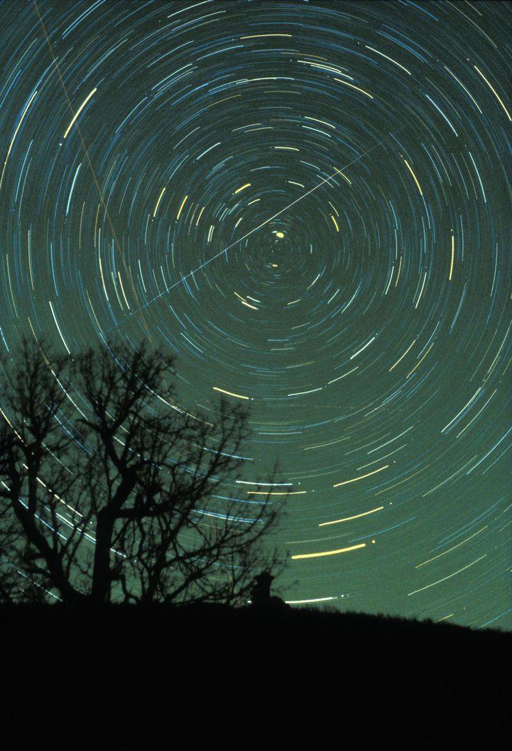 2015 meteor shower list via NASA (Geminid meteor shower pictured)