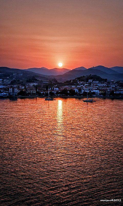 New day in Myrina, Lemnos Island, Greece (Vasilis Protopapas Photography)