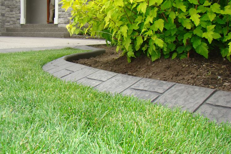 Best 25 concrete curbing ideas on pinterest landscape for Diy flower bed edging ideas