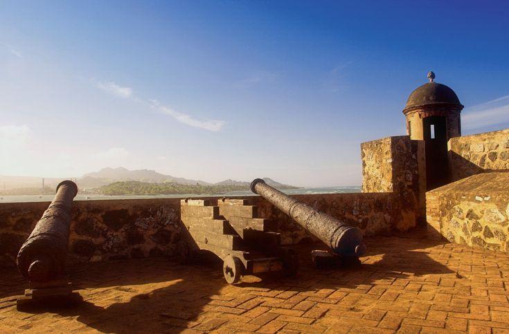 Fortaleza de San Felipe  Este fuerte, junto a la ciudad de Puerto Plata (República Dominicana), defendía la costa norte de la isla de La Española, que una armada inglesa trató de conquistar en el año 1655.
