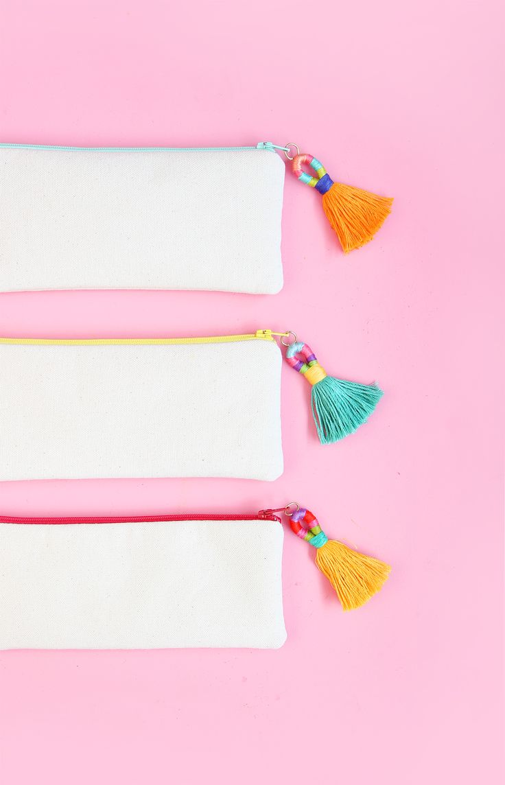 DIY Hula Tassels - how to make colorful tassels with embroidery thread