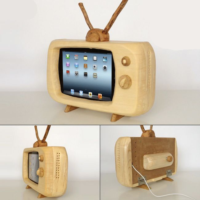 Nice wooden retro TV iPad dock