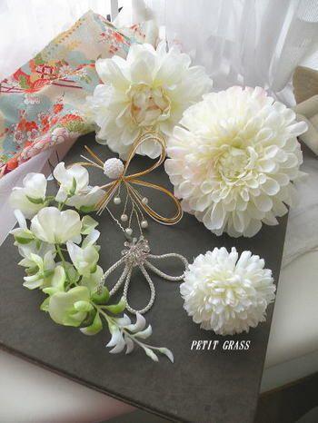 和装用のアイテムセット!白い花はやっぱり花嫁の特権ですよね☆