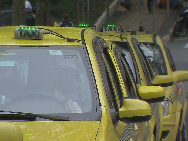 Prefeitura de Juiz de Fora prorroga prazo para instalar câmeras em táxis