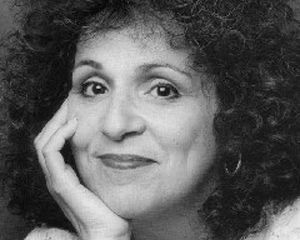 HOWARD  Carol Ann Susi, best known as the voice of Howard Wolowitz's unseen mother on The Big Bang Theory,has died after a shortbattle with an aggressive cancer.