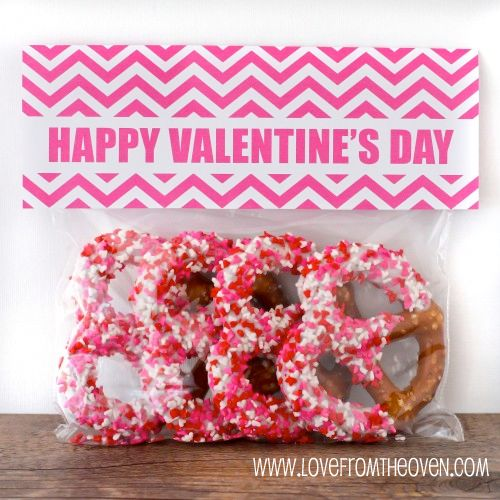Quick And Easy Valentine Day Treat Bags With Free Printable Bag Toppers - Love From The Oven