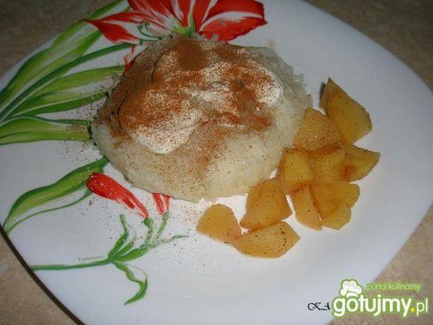 Dietetyczny ryż z jabłkiem. Warto spróbować!