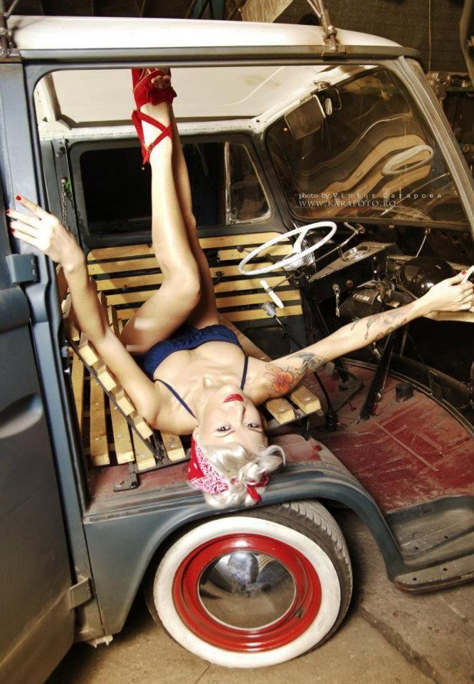 Vw Bus Vw Van Pin Up Pin Up Sexy Blonde Heels