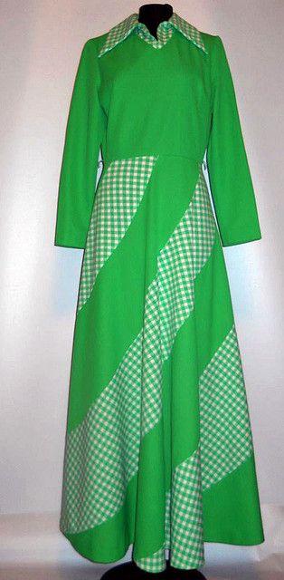 Rochie maxi verde anii '60 - '70 http://www.vintagewardrobe.ro/cumpara/rochie-maxi-verde-anii-60-70-4757291 #vintage #vintageautentic #vintagewardrobe #vintagdresses #1960s #1970s #green