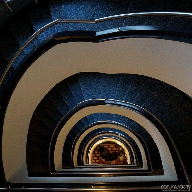 #Gdynia #klatkaschodowa ul. 10 Lutego 5 #modernizm_gdyni #modernizm #modernism #architektura #architecture #schody #stairs #staircase #maly3city #igerspoland #igersgdansk #igersgdynia #theworldneedsmorespiralstaircases #maly3city