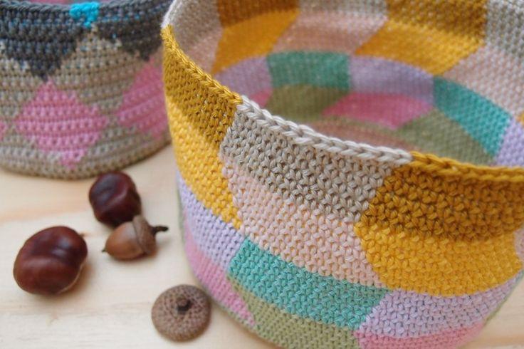 Crochet basket  www.vjahodovce.blogspot.com