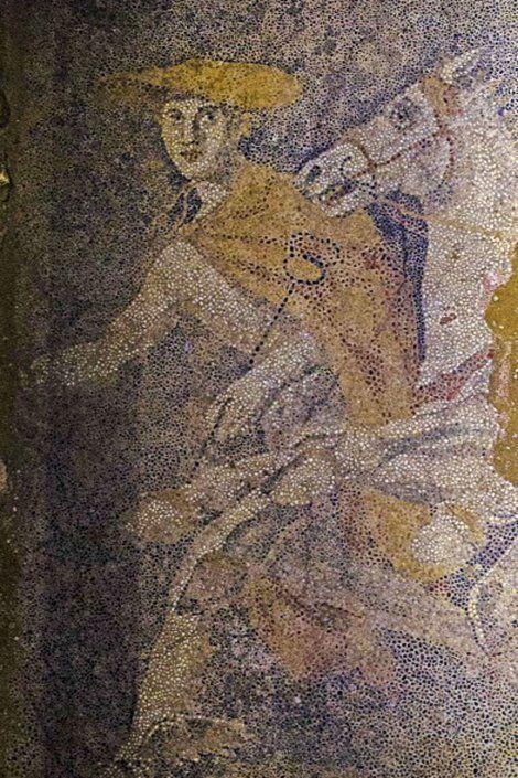 Blic Online | U drevnoj grobnici u Amfipolju otkriven podni mozaik