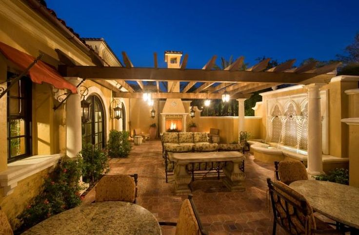 32 best courtyard dreams images on pinterest for Homes with courtyards in the center