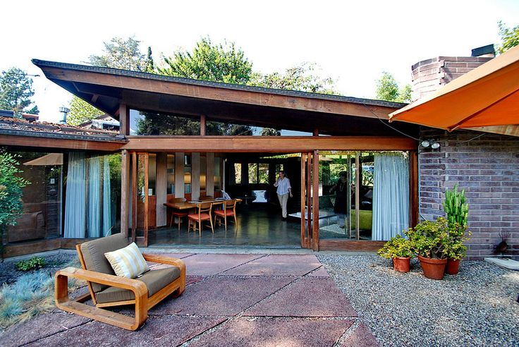 Dorland House, Lloyd Wright 1950.