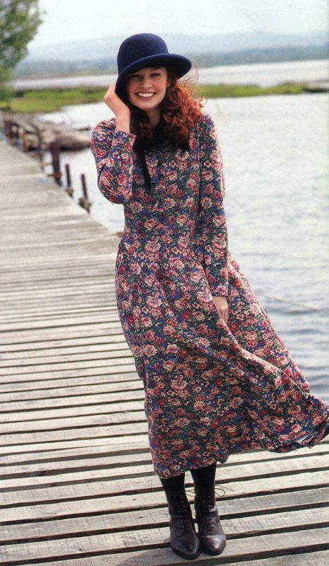 This is what I call the quintessential Laura Ashley look! Beautiful floral print, with a slightly old-fashioned feel. From their Autumn 1991 catalog.