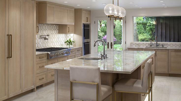MID-CENTURY MODERN BALTIMORE KITCHEN RENOVATION – The homeowner's primary goal was to be able to host large dinner parties, however, it was important that the space not feel like a commercial kitchen (even though it has three dishwashers!) in order to blend with the Mid-century Modern style of the home. #annegriceinteriors #interiordesign #contemporary #midcentury #modern #kitchen #remodel #renovation #baltimore