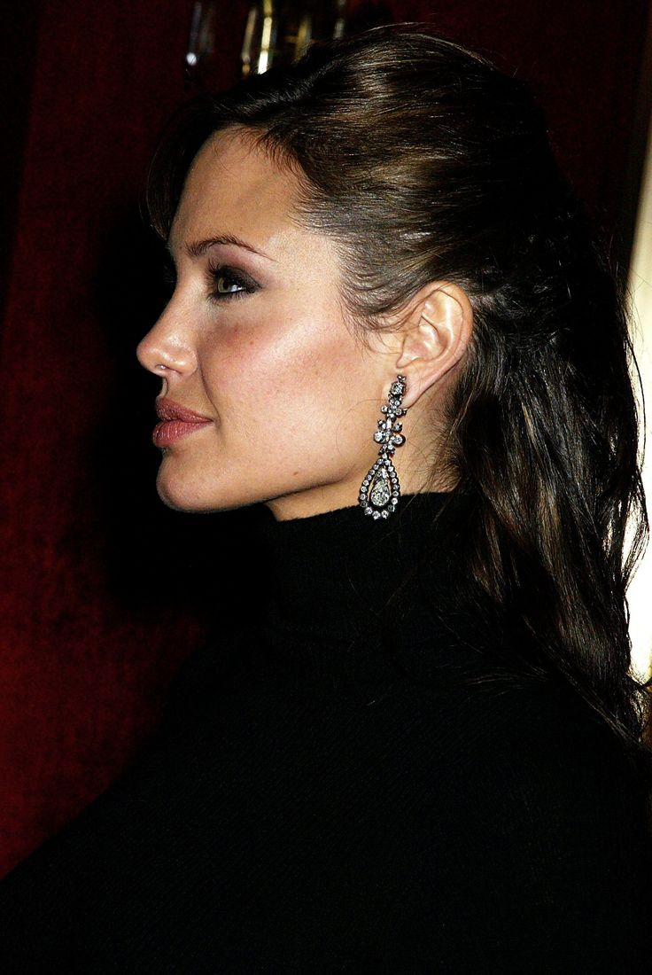 "Angelina Jolie - 'Beyond Borders"" premiere @ Ziegfeld Theater, NYC, October 2003"