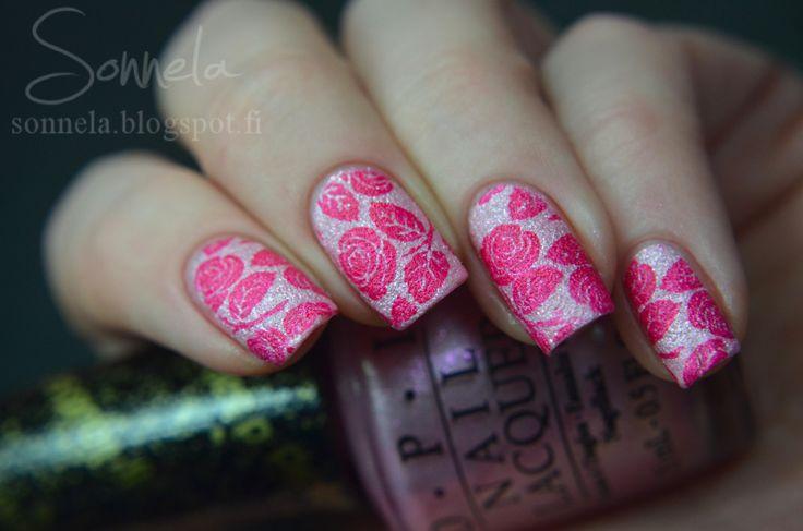Pinkit ja teksturoidut ruusut