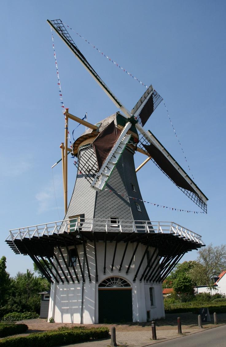 Molen van Maat, 's-Gravenzande. Lees meer: http://www.rijksmonumenten.nl/monument/18159/molen+van+maat/039s-gravenzande/
