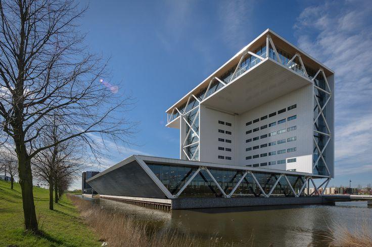 Exterieur – Architectuur fotograaf Dirk Verwoerd voor architectuur en interieur fotografie. Werkt door heel Nederland