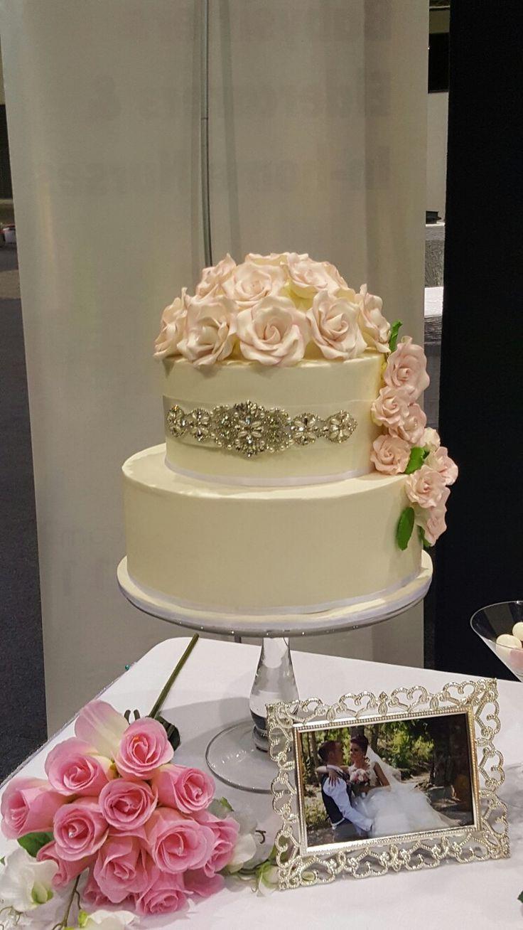 Elegant Rose Wedding Cake