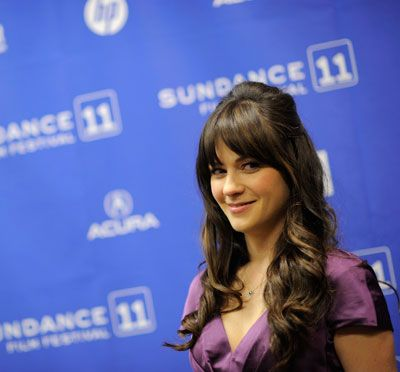 Zooey Deschanel, Gives Us Yet Another Cute Hair Idea