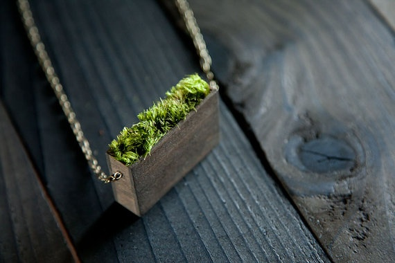 Natural Moss Pendant Necklace