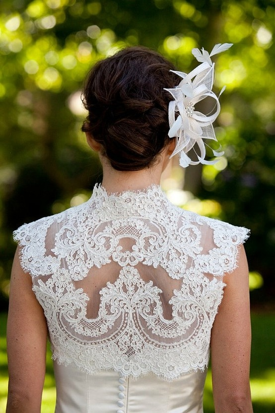 (2) Pia Blandeaux / Pinterest: Wedding Dressses, Lace Wedding Dresses, Wedding Ideas, Fairyt Dresses, Dresses Design, Boleros, White Lace, Lace Back, Bridal Accessories