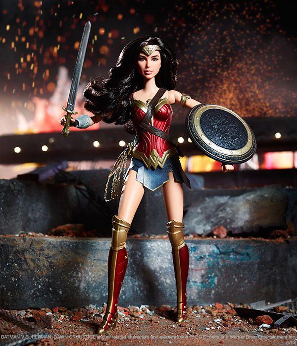 Wonder Woman 2016 Batman vs Superman She looks amazing!!