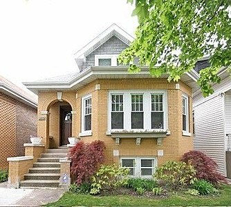 1000 images about lovely homes on pinterest for Bungalow house chicago