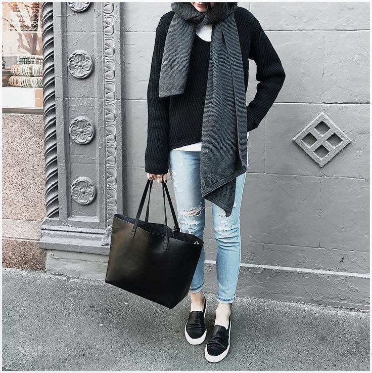 "Style By Aggie på Instagram: ""All about big knits and scarves right now ❄️ have a fab Saturday 😎"""