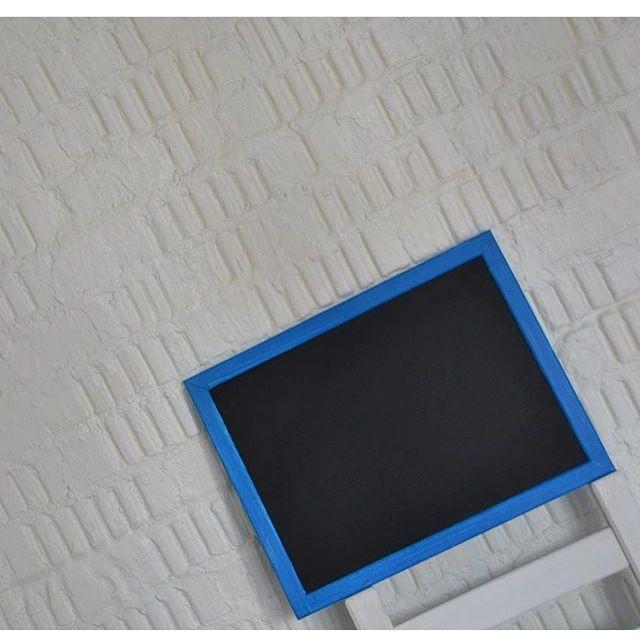 меловая грифельная доска из серии МОРЕ www.korobkamela.ru #меловыедоски #меловая_доска #грифельнаядоска #коробкамела #грифельныедоски #меловаядосканазаказ #меловая_доска #меловая_доска_на_заказ #chalkboard #chalkboard_idea