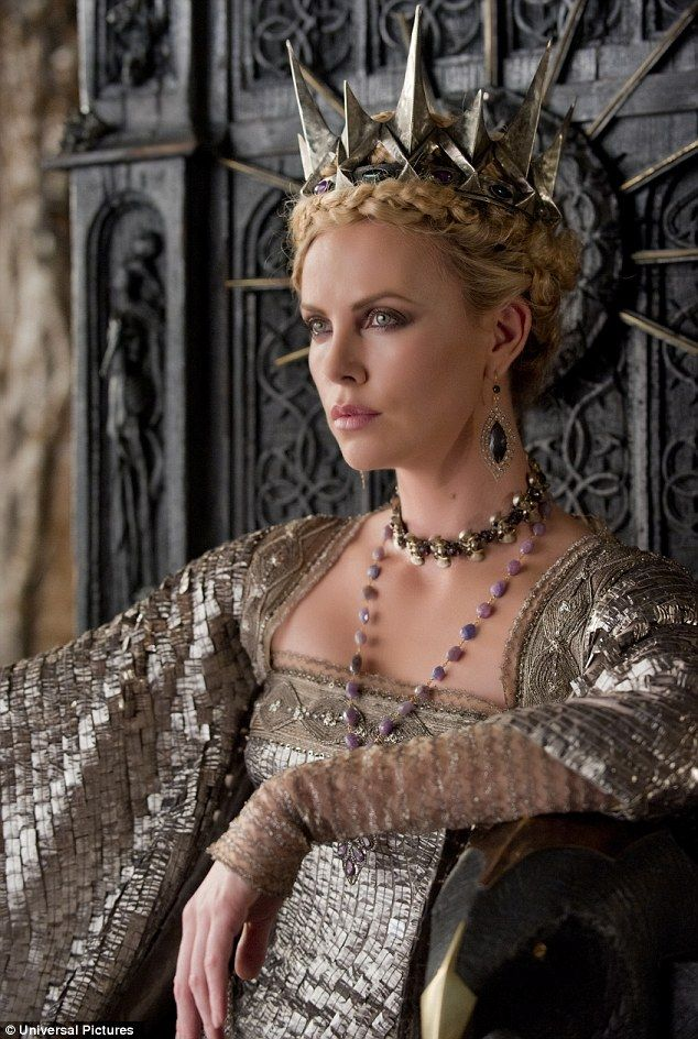 Charlize Theron in Snow White and the Huntsman!!! Can't wait to see this movie!: Charlize Theron, Halloween Costumes, Armors, The Queen, Celebrity Tv Movie, Evil Ice Queen, Evil Queens, Snow White, Huntsman