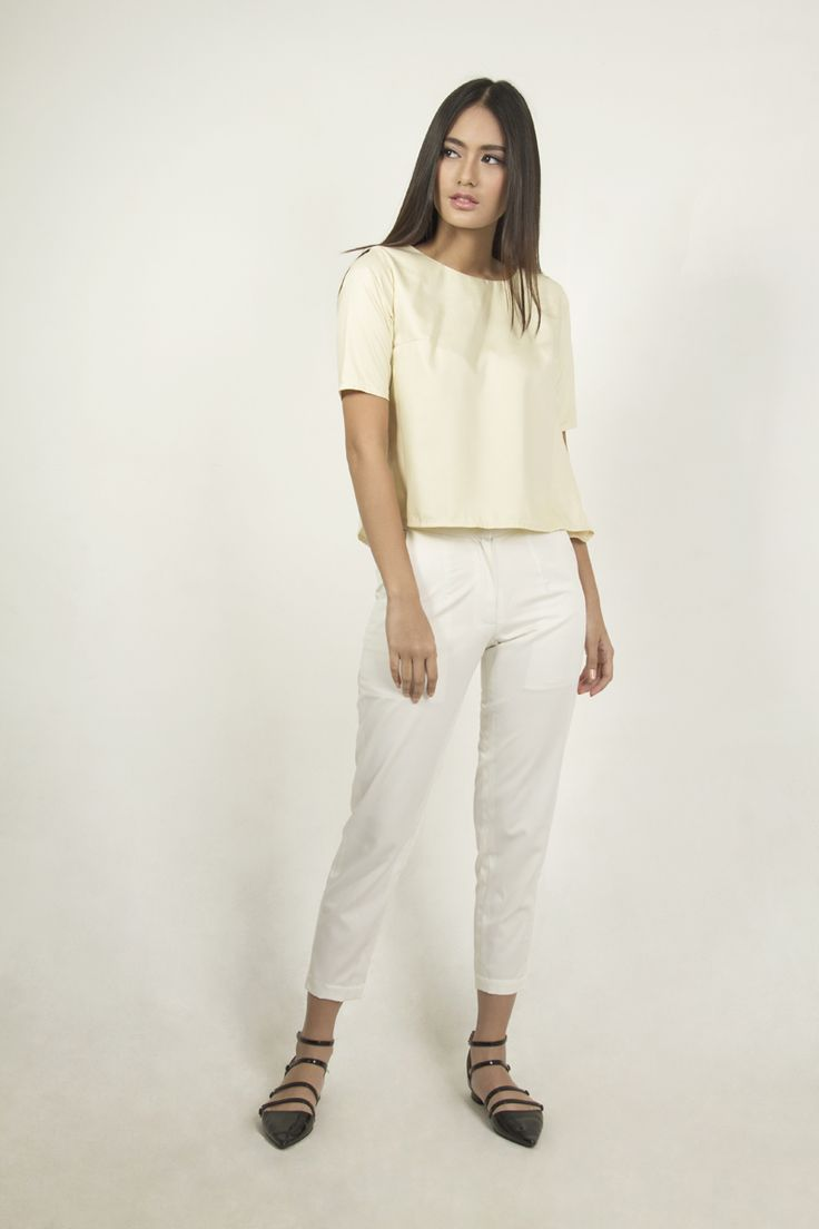 ANDINI disainer Poppa, brand fashion lokal bagi perempuan muda urban yang aktif dan dinamis dengan desain simple.