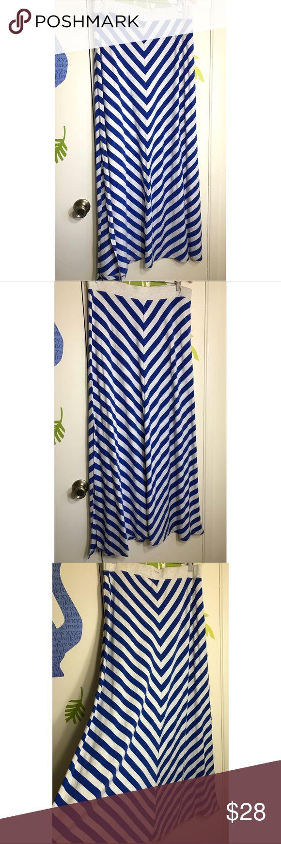 "Calvin Klein Maxi Skirt Size XL Blue Gray Chevron New with tags. Size XL. Measurements laying flat Waist 17"", length 41"" Calvin Klein Skirts Maxi"