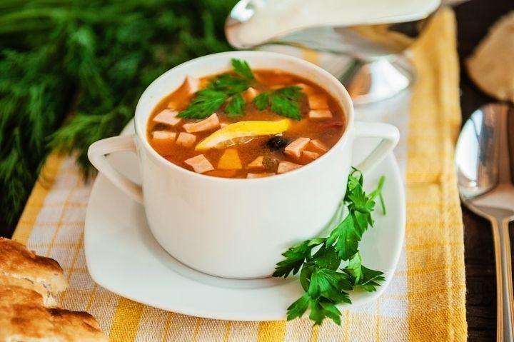 Солянка - пошаговый рецепт с фото: Солянка густой, ароматный и наваристый суп. Предлагаем самый простой рецепт его приготовления. - Леди Mail.Ru