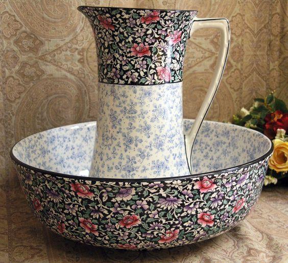 Royal Doulton Washstand & Water Jug & Bowl.: