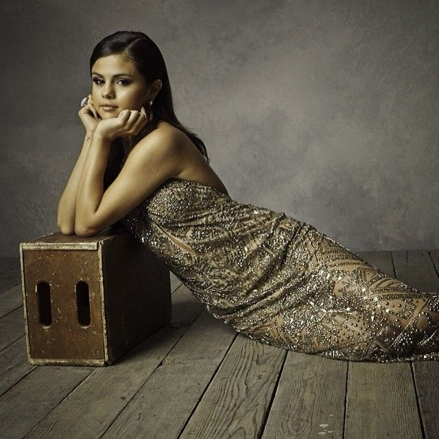 Stunning Celebrity Portraits Taken at Vanity Fair's Oscar Party - My Modern Metropolis Selena Gomez