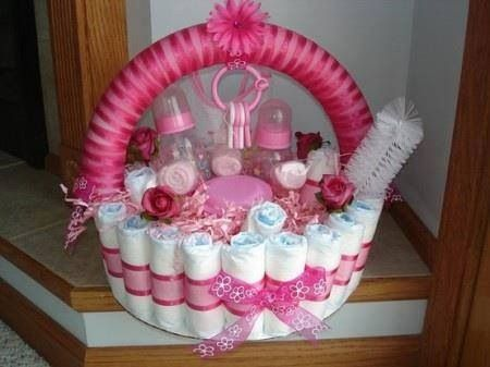 Super cute, doing this for the next baby shower I attend! I've made diaper wreaths and diaper cakes.... Love this for something different!