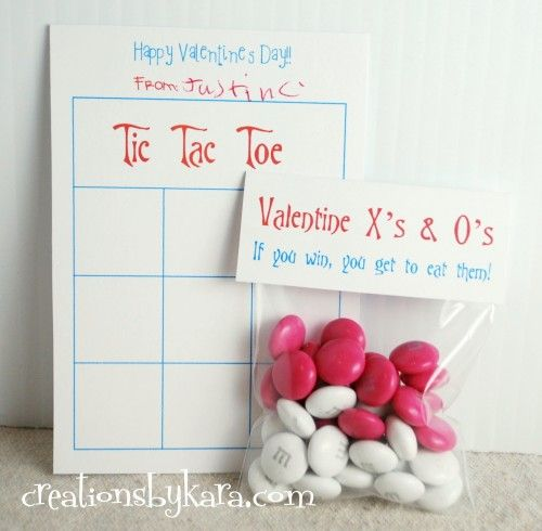 Cute Valentine's Day printable tic-tac-toe game from @Kara Morehouse Cook (Creations by Kara)! #valentines #printable